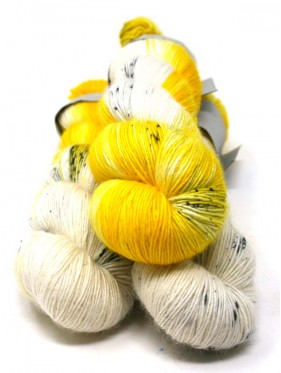 Qing Fibre Merino Single - Smiler